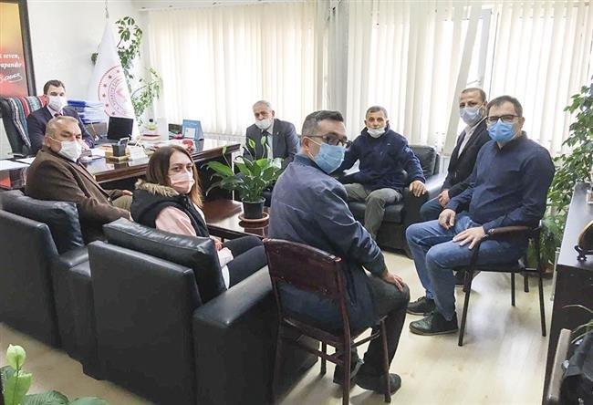 CHP Saray İlçe Teşkilatından Öğrencilere Maske ve Dezenfektan Yardımı