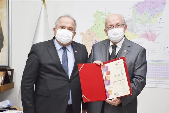 Büyükşehir Belediyesi ISO 27001 Bilgi Güvenliği Sistemi Sertifikasını Yeniden Almaya Hak Kazandı