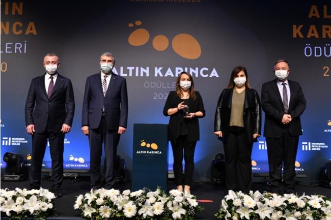 Altın Karınca Ödülü Başkan Albayrak'a Teslim Edildi
