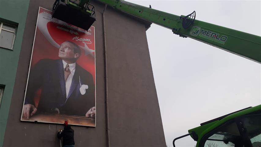Atatürk Portresi Yenilendi