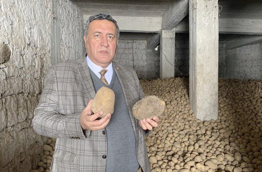 """İktidar, Gürer'in çağrılarını  duydu """"TMO patates ve soğan alımı yapacak"""""""