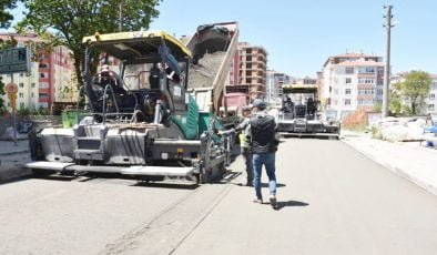 Büyükşehir Belediyesi Yol Yapım Çalışmalarına Devam Ediyor